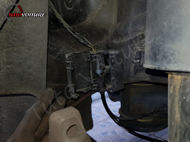 26-retirer-roue-arriere-bmw-f30