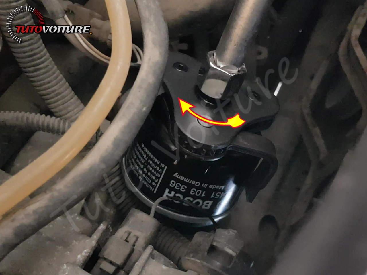 Remplacer le filtre d'huile - Renault Clio 2