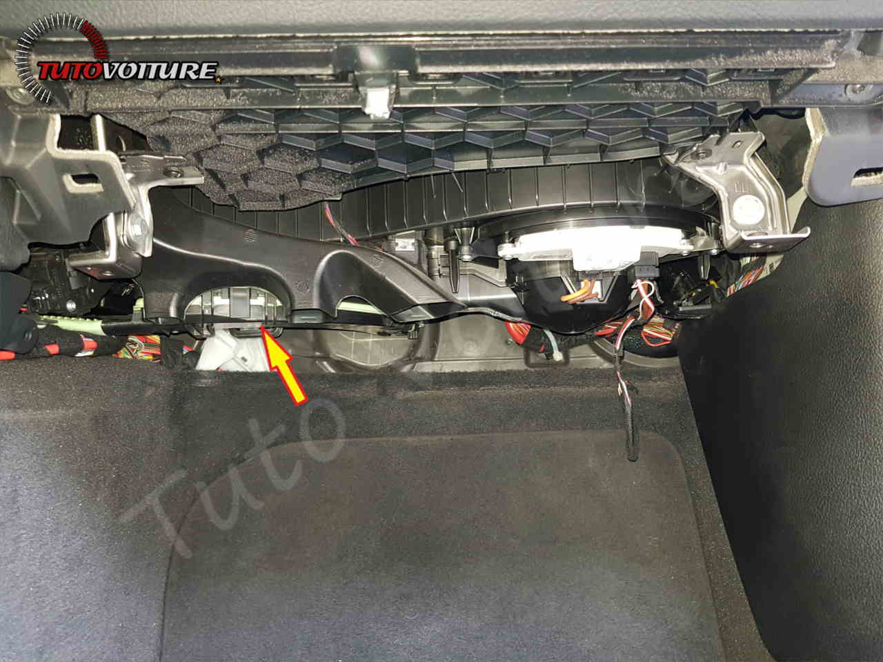 Tuto remplacement filtre habitacle bmw serie 3 - F30