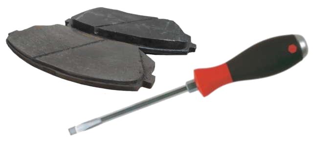 Utiliser un tournevis pour rentrer un piston de frein
