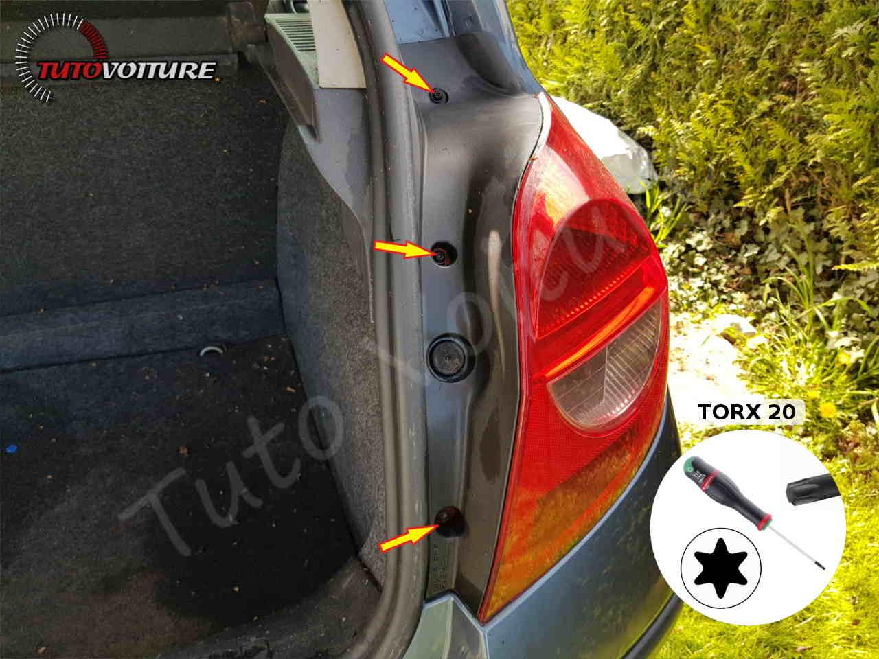 Fixations de l'optique arrière Renault Clio 3