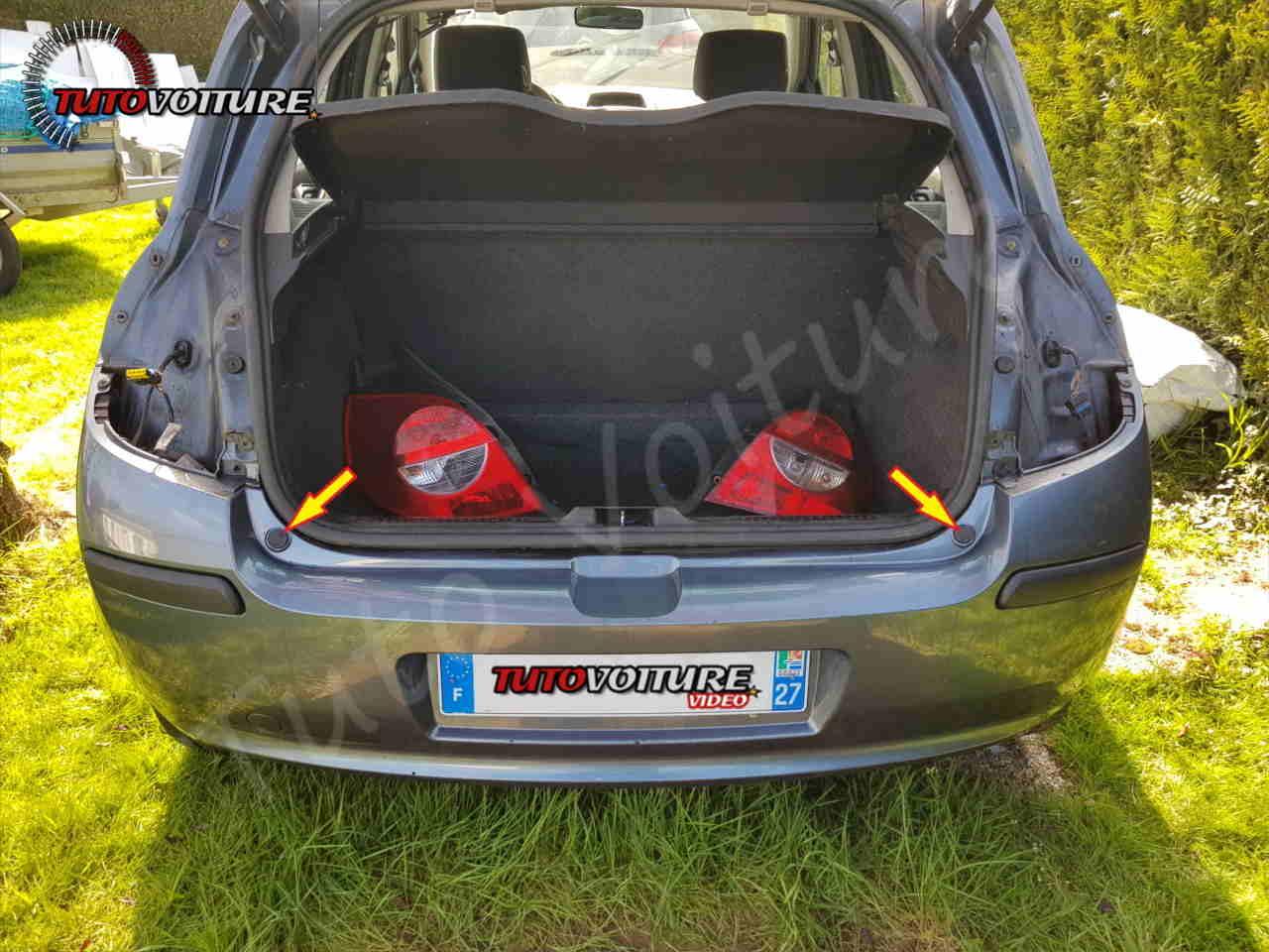 Retirer les butées de coffre Renault Clio 3