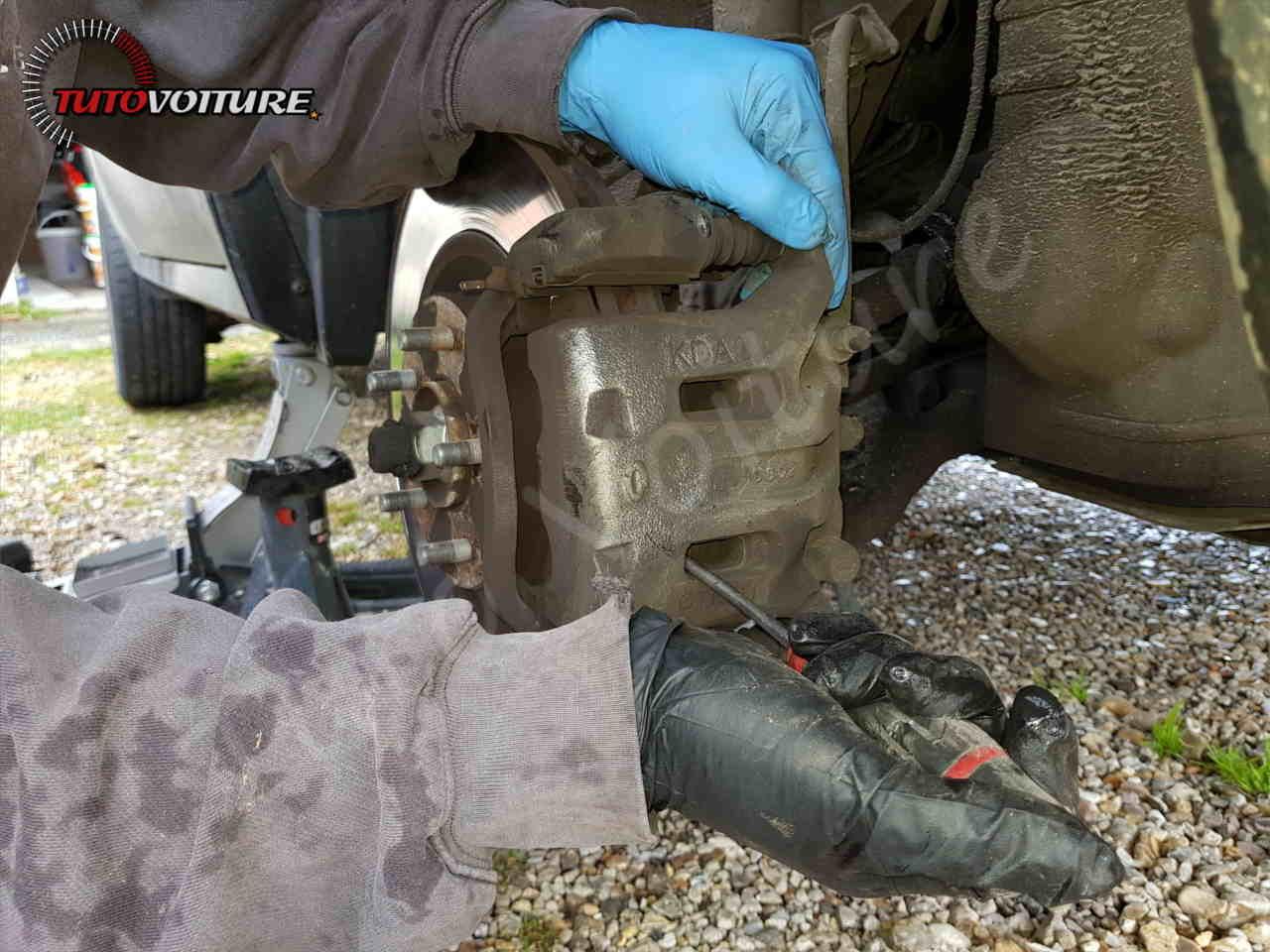 Écarter les plaquettes de frein Renault Koleos