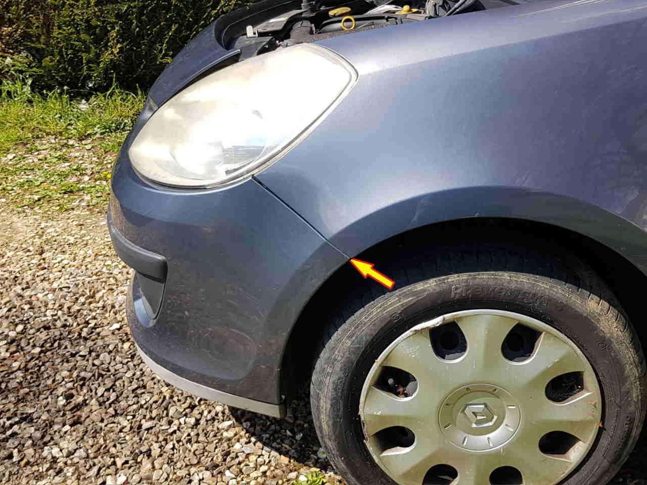 Vis de fixation du pare-choc sous l'aile Renault Clio 3