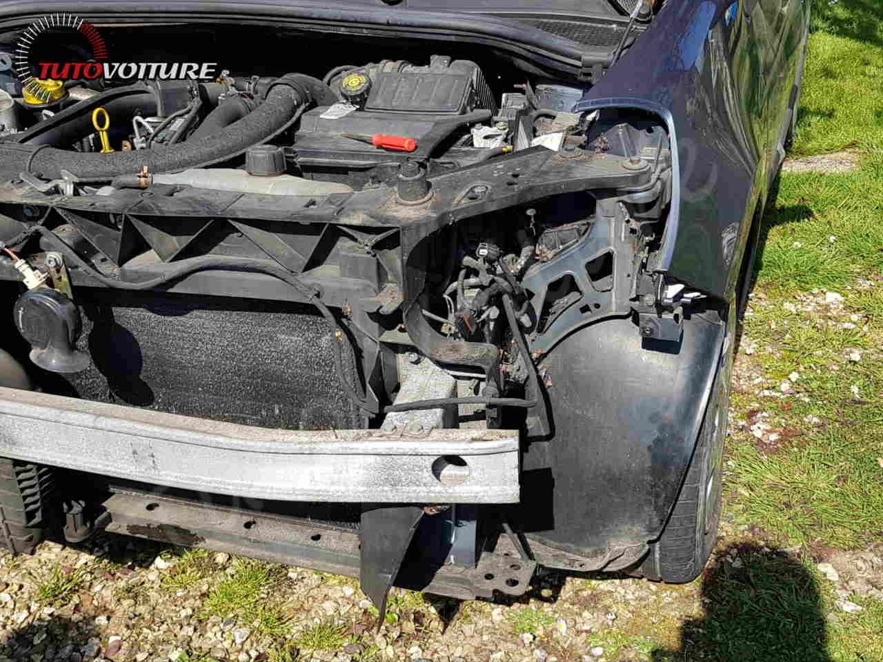 Remplacer son optique avant Renault Clio 3