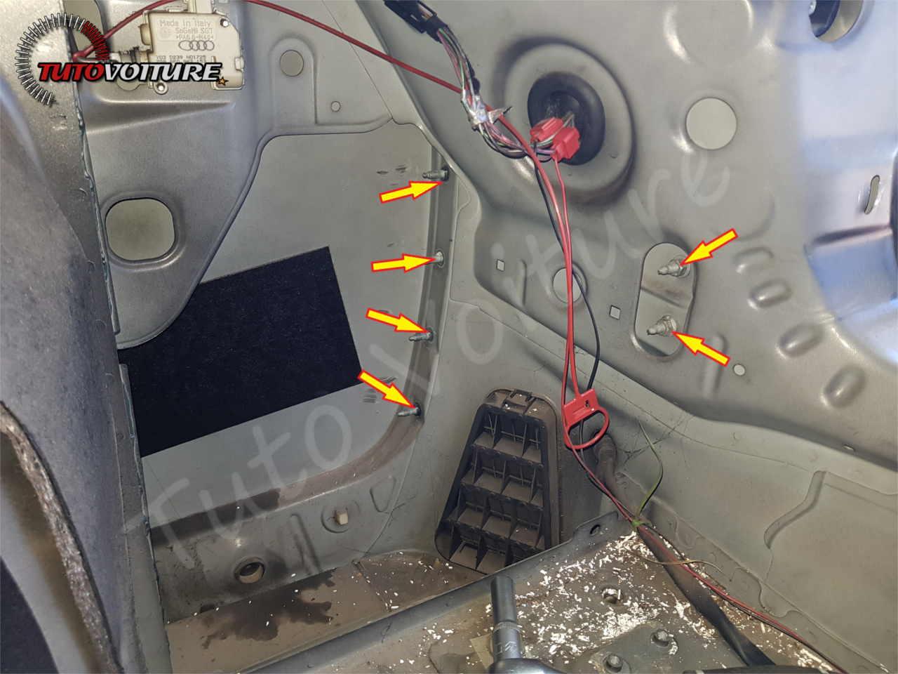 Fixation intérieur du pare-chocs Audi A4 B6