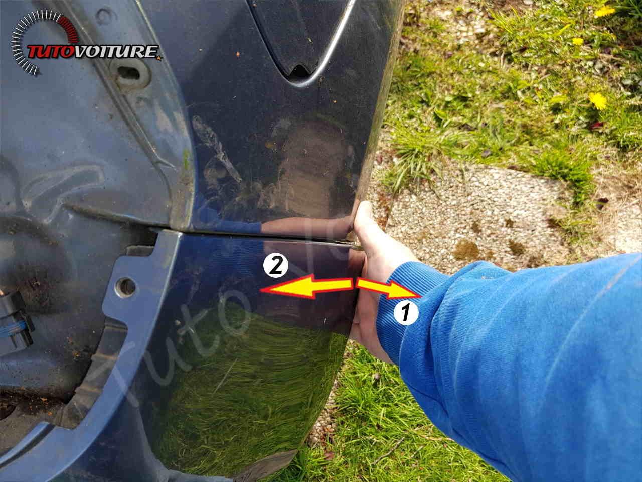 Décrocher le pare-chocs arrière Renault Clio 3