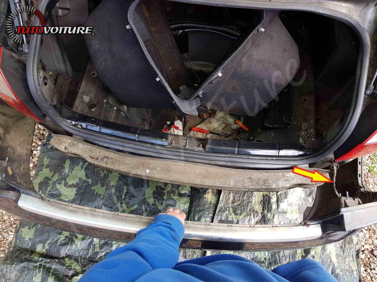Comment retirer le pare-chocs arrière Audi A4 B6