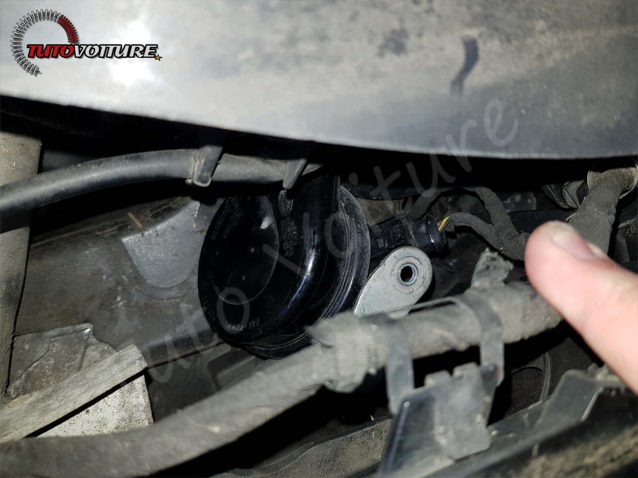 Retirer le klaxon Audi A4 B6