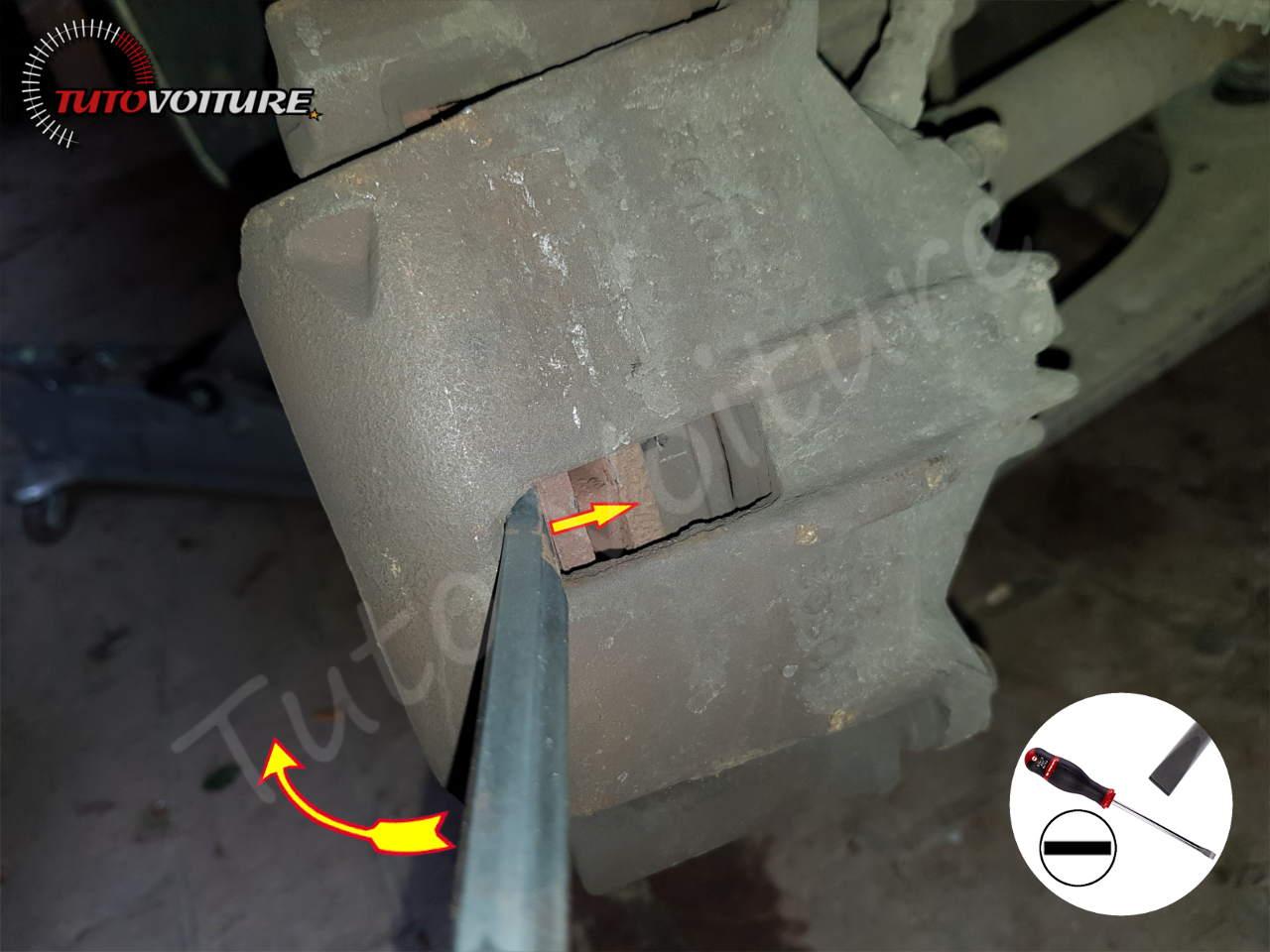 Comment ouvrir l'étrier de frein Peugeot 206