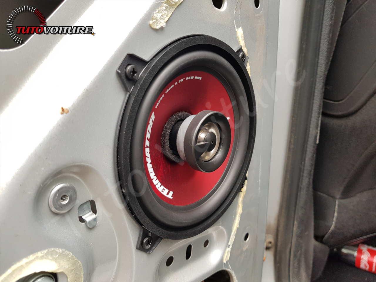 Remplacer les haut-parleurs arrière peugeot 206