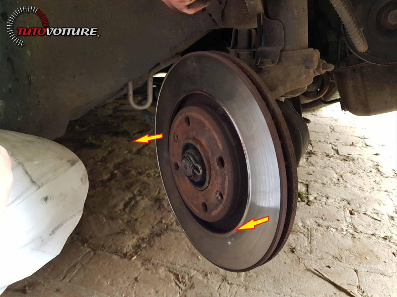 Comment enlever les disques de frein 206