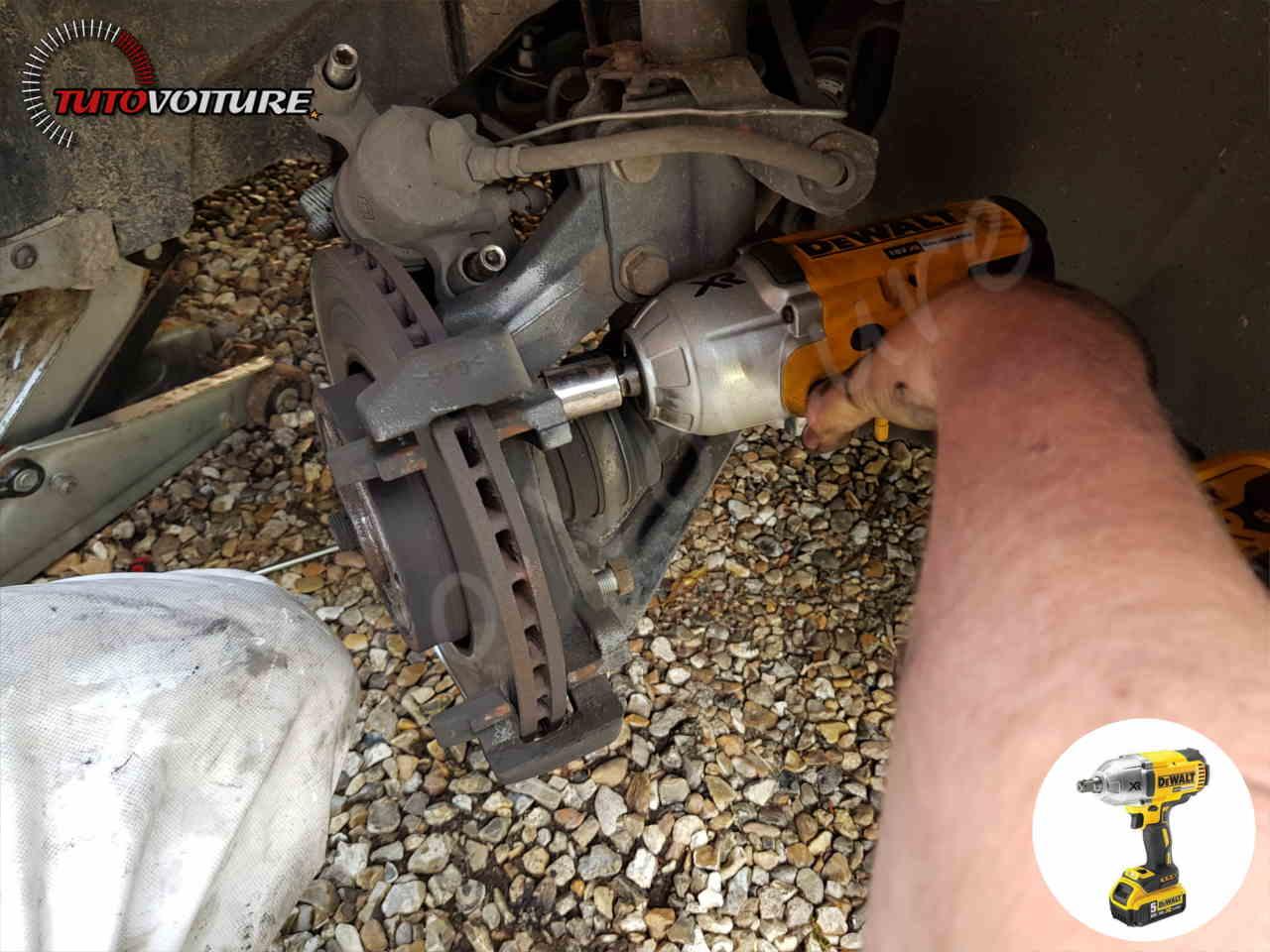 Remplacer les disques de frein Clio 4